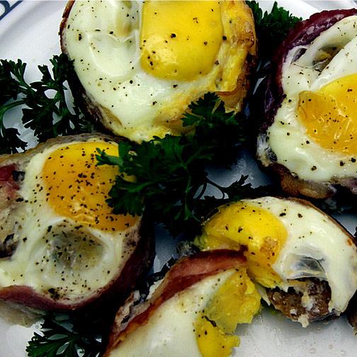 bacon, egg and sausage cupcakes